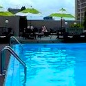 Which Boston Hotels have outdoor swimming pools?