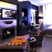 Room with fireplace in Fifteen Beacon Hotel in Boston - www.boston-discovery-guide.com