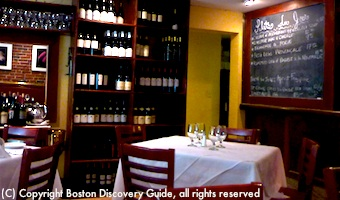 Petit Robert Restaurant - Romantic dining in Boston