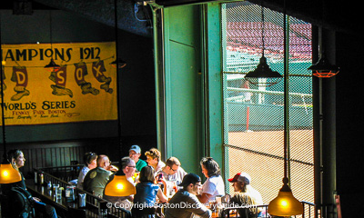 Boston nightlife and entertainment - Bars near Fenway Park