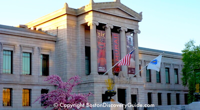 Boston's Museum of Fine Arts - Fenway Entrance