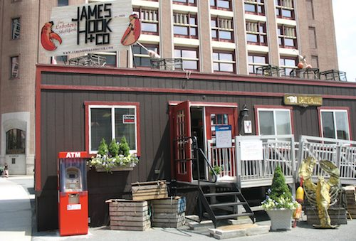 James Hook Seafood in Boston, Massachusetts / Boston Cheap Eats - www.boston-discovery-guide.com