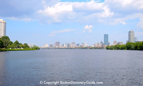 Picture of Charles River Cruise on a Boston Riverboat / Charles River Cruises - www.boston-discovery-guide.com