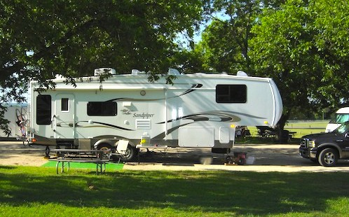 Picture of RV camper / Massachusetts RV parks near Boston - www.boston-discovery-guide.com