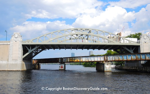 Charles River Cruises include Sunset Cruises - Photo of Boston's Longfellow Bridge in late afternoon / Charles River Cruises - www.boston-discovery-guide.com