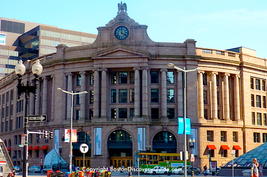 Photo of South Station, Amtrack and subway terminal in Boston, where luggage storage is available  - www.boston-discovery-guide.com