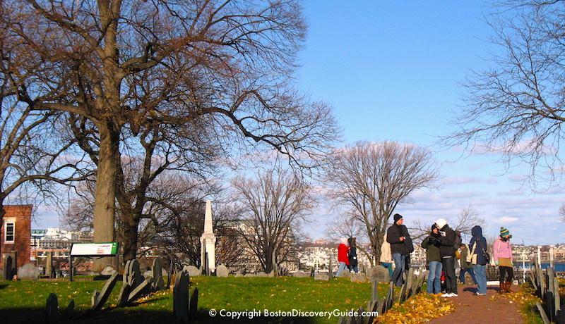 Boston weather in November - Copps Burying Ground in the North End