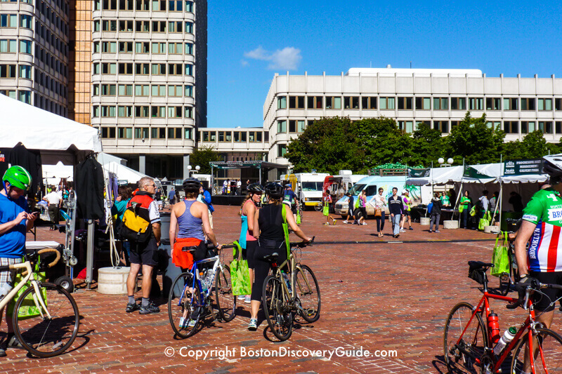 Hub on Wheels at City Hall Plaza