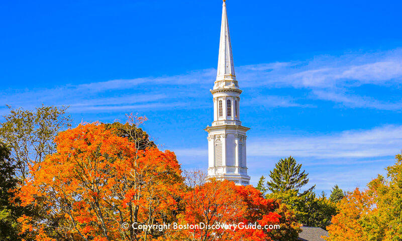 https://www.boston-discovery-guide.com/image-files/800-lexington-church-steeple-foliage-5x3.jpg