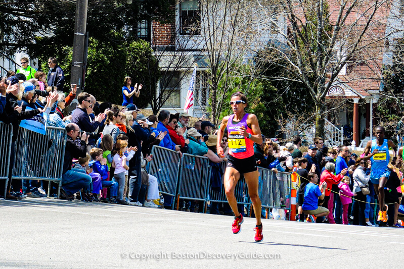 Marathon runners - Newton hills