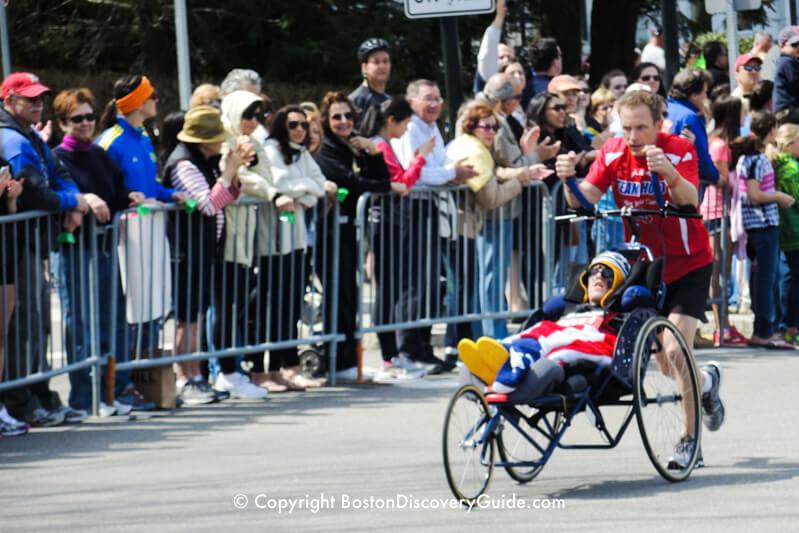 Team Hoyt gets applause - Mile 21