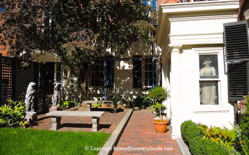 The front courtyard at Nichols House Museum