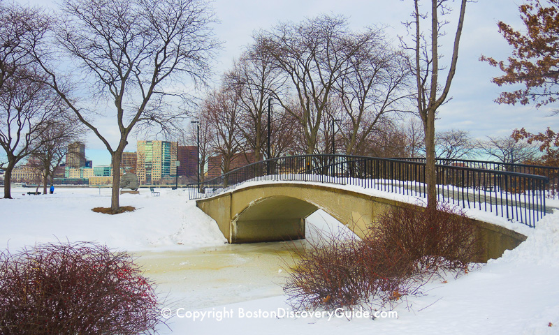 Winter walking tour of Boston: Footbridge across a canal on the Esplanade