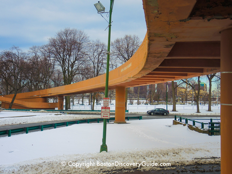 Winter walking tour of Boston: Fiedler Footbridge across Storrow Drive to the Esplanade