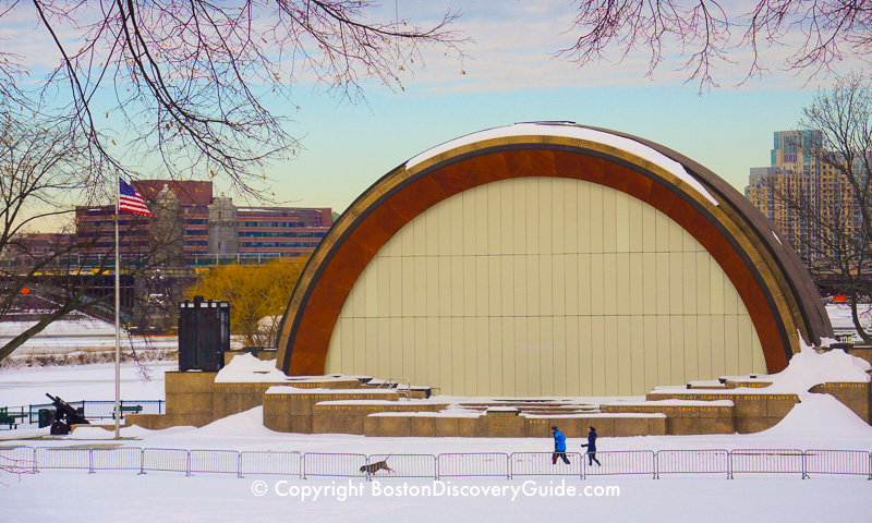 Winter walking tour of Boston: Hatch Shell
