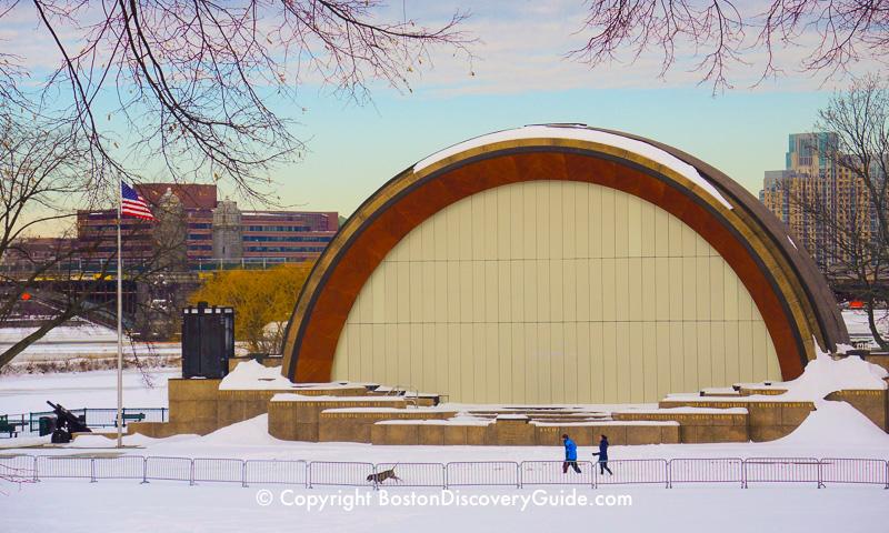 Winter walking tour of Boston: Hatch Shell