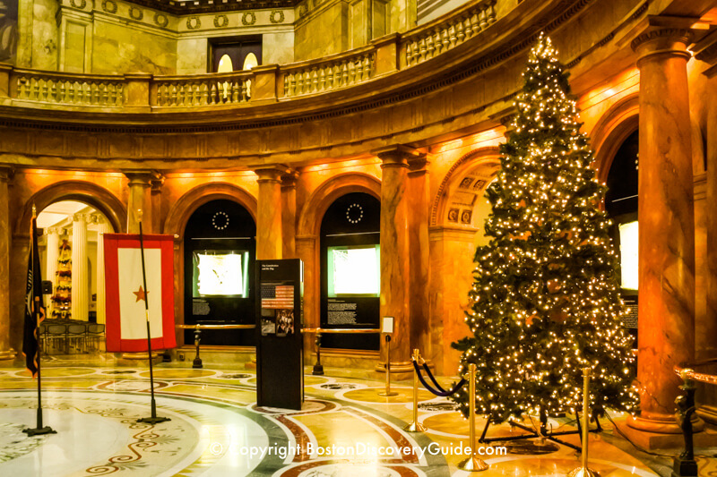 Christmas tree in the Massachusetts State House