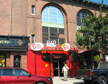 Bill's Bar, near Fenway Park in Boston - www.boston-discovery-guide.com