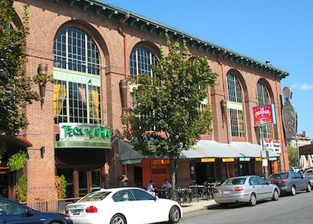 Photo of Jillians near Boston's Fenway Park - www.boston-discovery-guide.com