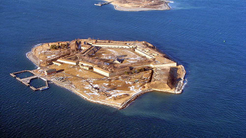 Georges Island, photographed at 2,000 feet over Boston Logan Airport's runway 32.  Copyright 2007 Adam Van Dusen