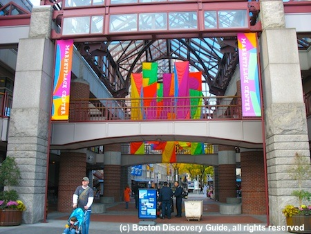 Boston Shopping Malls - Faneuil Marketplace is Number 1 for Fun!