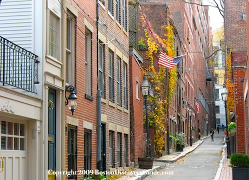Beacon Hill - Narrow street lined with early 19th century houses