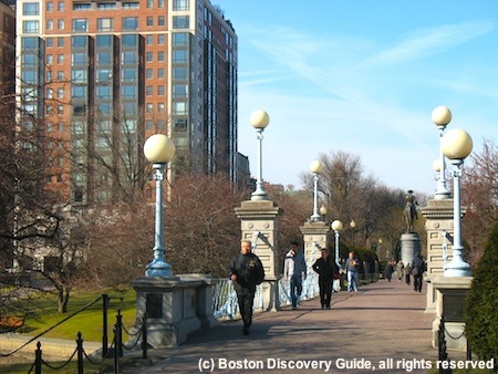 Boston weather in March attracts walkers in the Public Garden