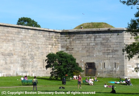 Photo of Frisbee game next to Fort Independence on Castle Island