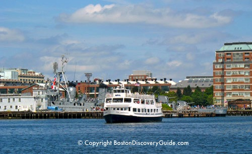 Photograph of Charles River cruise boat near Charlestown, across from Boston's North End / Charles River Cruises - www.boston-discovery-guide.com