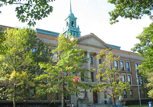 Simmons College / Colleges of the Fenway - www.boston-discovery-guide.com