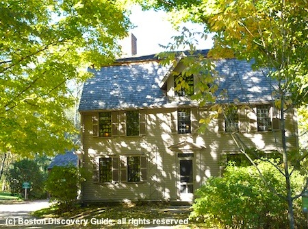 Picture of The Old Manse in Concord, Massachusetts / www.boston-discovery-guide.com