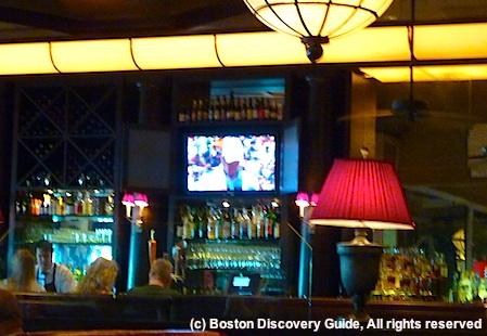 Bar at Eastern Standard Restaurant in Boston, Massachusetts / www.boston-discovery-guide.com