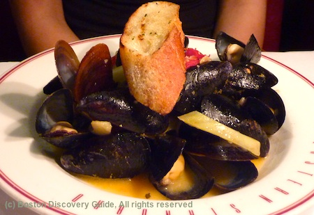 Mussels with Garlic and White Wine Sauce at Eastern Standard Restaurant near Fenway Park / www.boston-discovery-guide.com