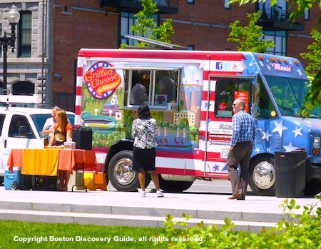 Photo of Grilled Cheese Nation food truck on the Greenway