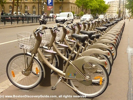 Photo of bike share station in Paris similar to Hubway system for Boston