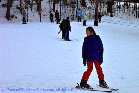Nashoba Valley Ski Slope / Massachusetts Ski Areas near Boston / www.boston-discovery-guide.com