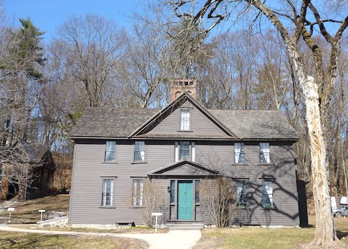 Photo of Orchard House in Concord, Massachusetts / www.boston-discovery-guide.com