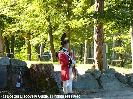 Photo of historic Old North Bridge in Concord, Massachusetts / www.boston-discovery-guide.com