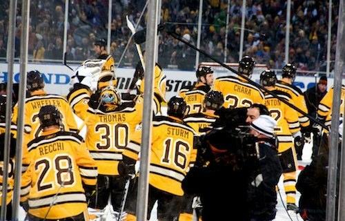 Boston Bruins win Winter Classic in Fenway Park / BostonDiscoveryGuide.com