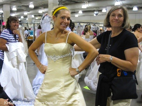 Running of the Brides in Boston - Beautiful cream-colored gown
