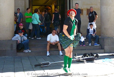 Street Performer at Faneuil Marketplace