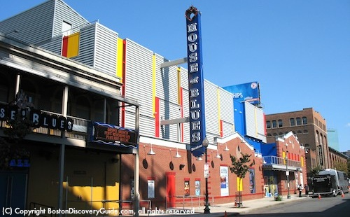 Photo of House of Blues Boston across Lansdowne Street from Fenway Park / www.boston-discovery-guide.com
