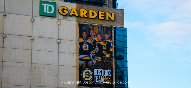 Bruins sign on TD Garden