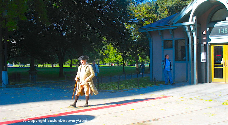 Costumed tour guide at the beginning of the Freedom Trail on Boston Common