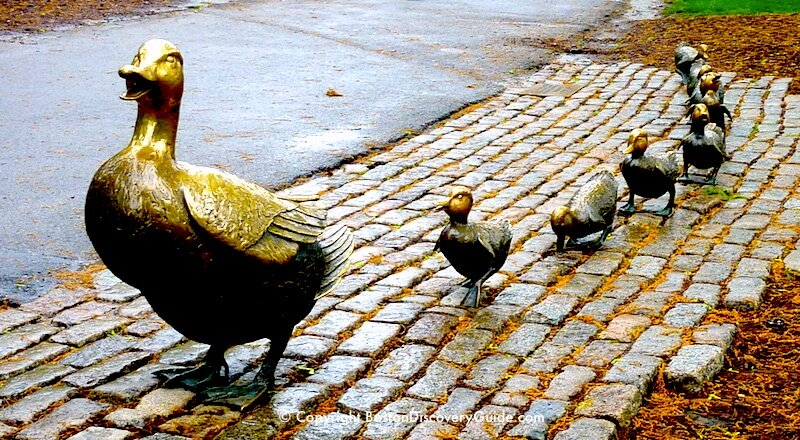 Make Way for Ducklings statues in Boston