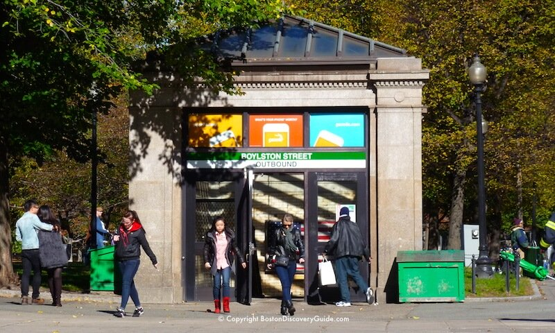 Entrance to the Outbound tracks at the Boylston Street Station on the T's Green Line