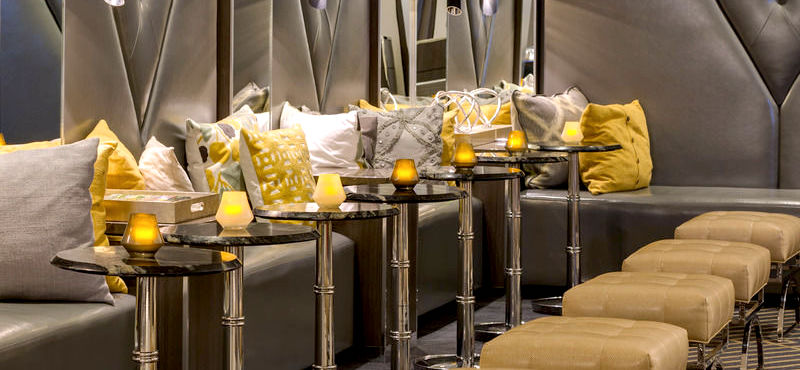Relax in the Park Plaza's glamorous bar