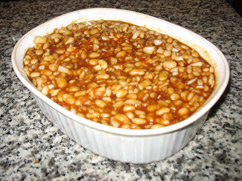 Boston baked bean dish ready to bake / Boston Baked Beans Recipe - www.boston-discovery-guide.com