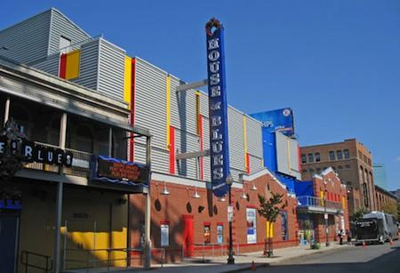 Popular Boston bars near Fenway include family-friendly House of Blues / Boston Bars Near Fenway - www.boston-discovery-guide.com