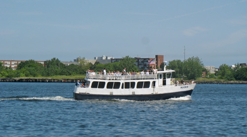 Charles River cruises show show you Cambridge, Boston, and Charlestown